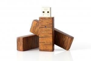 USB Mediniai